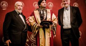 Претседателот на Борд на директори со високо признание од Оксфордската Академија на професори